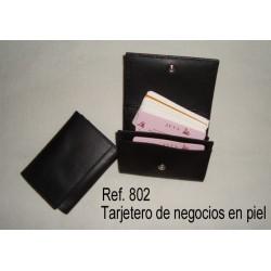 Ref. 802 Tarjetero de negocios en piel