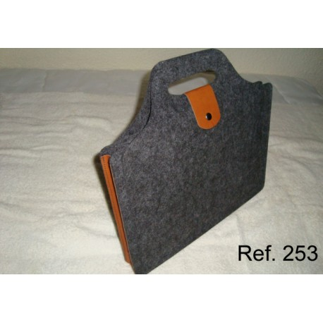 Ref. 253 Carpeta de fuelle de fieltro con piel